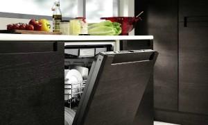 Beépíthető mosogatógép a konyhában.